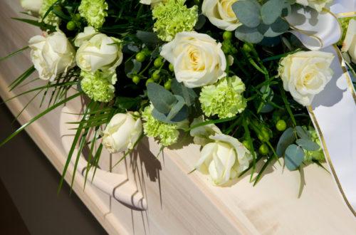 fleur pour les funérailles